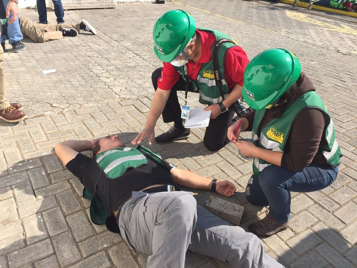 CERT volunteers learn to triage during an exercise